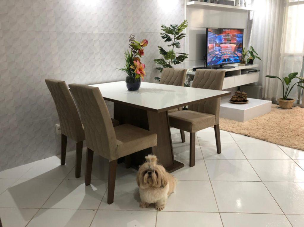 Sala de jantar Madesa Ingrid nas cores amadeirado rustic e branco.